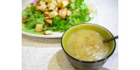 Смачна і корисна заправка для овочевих салатів з олією холодного віджиму